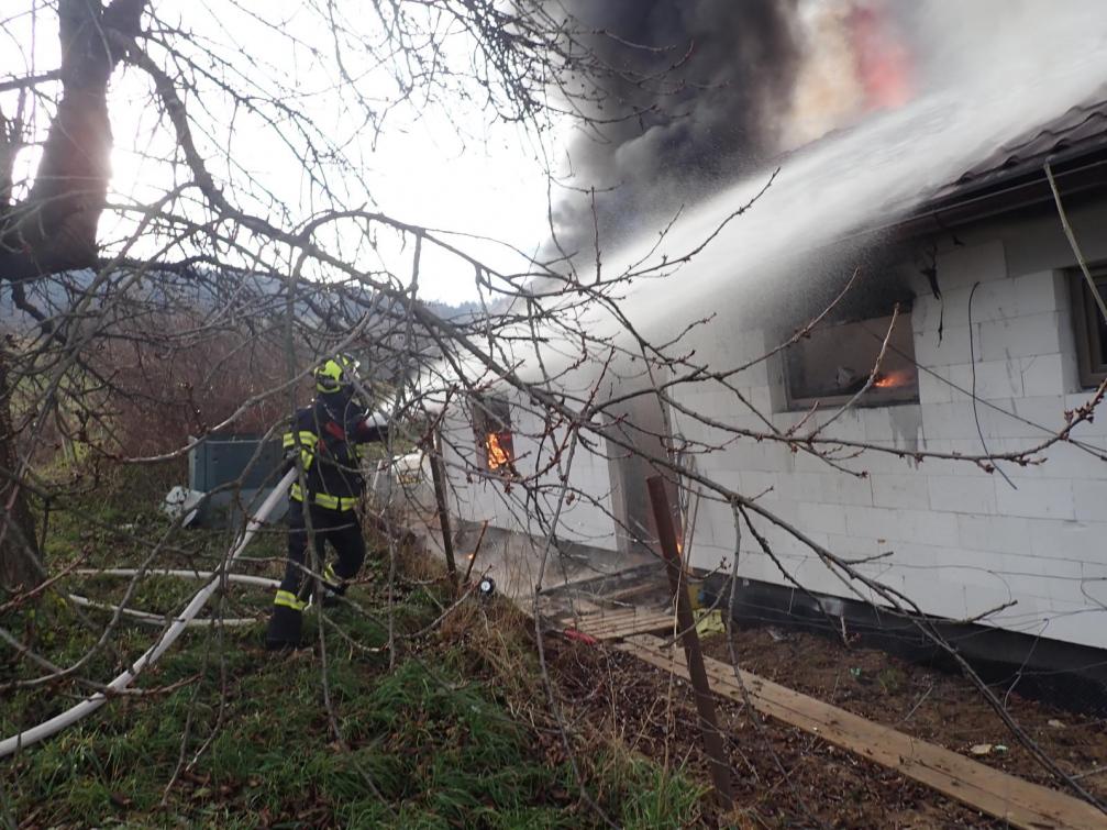 Novostavba ve Študlově lehla popelem