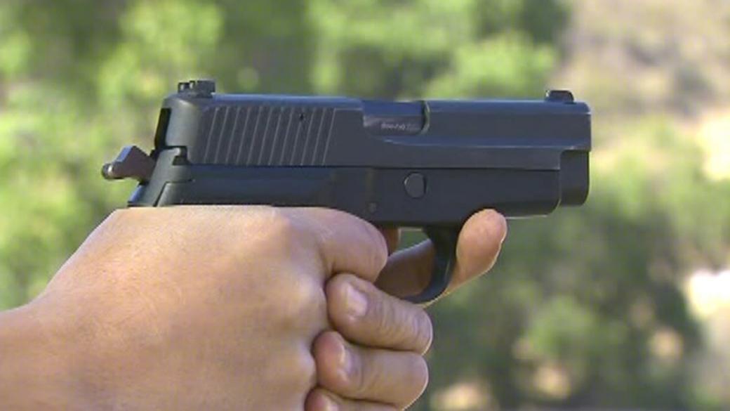 Sousedské spory řešil střelbou z plynové pistole