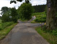 Cyklistka utrpěla po střetu s cyklistou těžké zranění. Cyklista byl pod vlivem drog