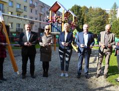 Ve Valašském Meziříčí otevřeli nové Oranžové hřiště