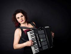 Písničkářka Radůza zahraje ve Valašském Meziříčí