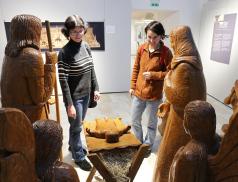 Výstava Dřevořezby v muzeu na zámku Vsetín