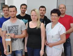 Krev letos ve Vsetíně darovalo už tisíc dárců. Mezi nimi i knihovnice a hasiči