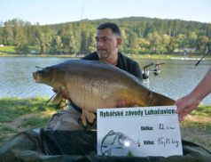 Rybářských závodů v Luhačovicích se zúčastnilo 440 rybářů. Vítězný kapr měl 82 cm