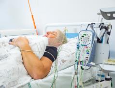 Spánková laboratoř ve zlínské nemocnici navýšila počet lůžek, pacienti se tak dočkají pomoci dříve
