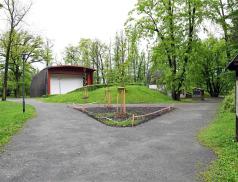 VZámeckém parku začala výsadba nových dřevin