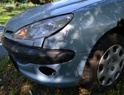 Auto v Hošťákové přejelo do protisměru a srazilo cyklistku