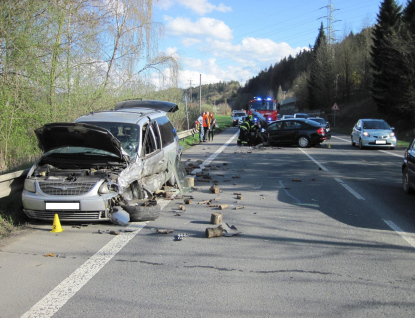 Dvě nehody zkomplikovaly provoz ve Vsetíně