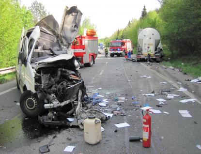 Tragická dopravní nehoda u Vsetína. Řidič dodávky nepřežil