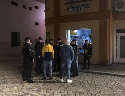 Hazard, alkohol, děti - během policejní akce nadýchalo 8 mladistvých