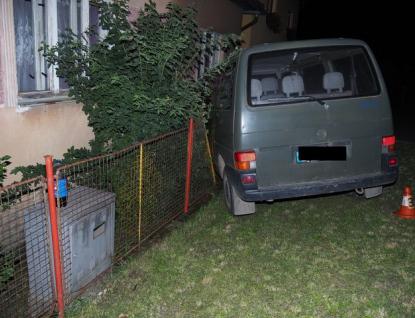 Opilý cizinec naboural do rodinného domu. Nadýchal více než tři promile
