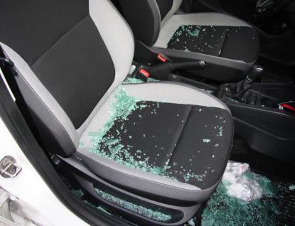 V Růžďce někdo během jedné noci vykradl dvě auta
