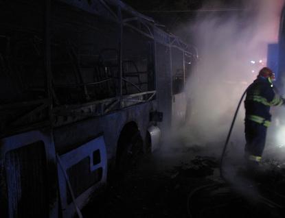 Autobus shořel napadrť