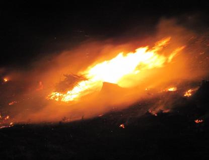 Hasiči ze Zlínského kraje celou noc zasahovali u rozsáhlého požáru u lesní školky na Vsetínsku