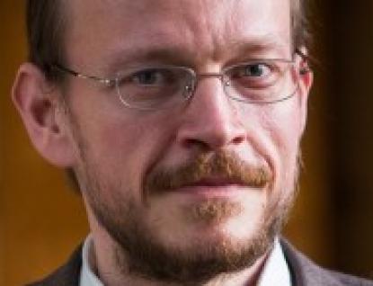 Do Valašského Meziříčí přijede teolog, religionista a pedagog Pavel Hošek
