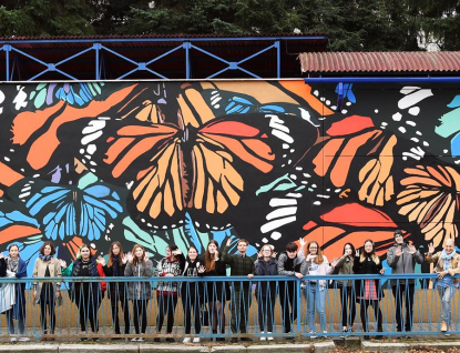 Motýli rozzářili nepoužívaný podchod