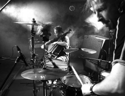Vhudebním klubu Vrátnice se představí pozoruhodné muzikantské duo GUTS PIE EARSHOT