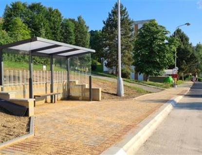 Rokytnice má opravenou komunikaci i nové parkoviště