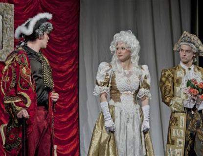 Divadelní soubor Masarykova gymnázia uvede naposledy Lucernu