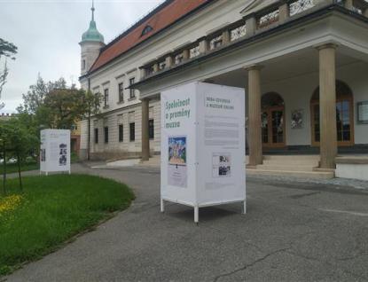 Výstava před zámkem Vsetín mapuje vývoj muzeí