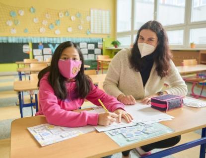 Studenti zlínské univerzity pomáhají školákům s doučováním