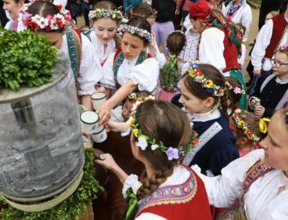 Na Otevírání pramenů se do Luhačovic sjedou tisíce návštěvníků