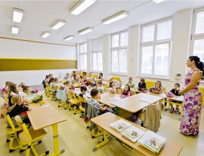 Zlínský kraj vyhlašuje výzvu kpředkládání návrhů na ocenění pracovníků ve školství