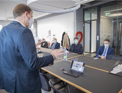 Kraj jednal o spolupráci sfirmou SPUR vyrábějící nanoroušky
