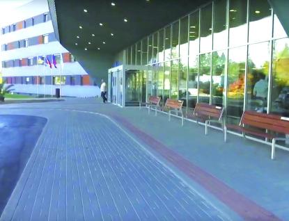 Neurologie v Uherskohradišťské nemocnici je uzavřena, primář oddělení měl pozitivní výsledek testu