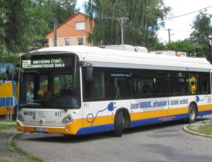 V ulicích Zlína a Otrokovic jezdí první elektrobus