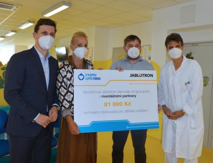 Kapka naděje předala dětskému oddělení Uherskohradišťské nemocnice vybavení za téměř jeden milion korun