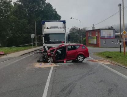 Našel smrt pod koly nákladního automobilu