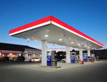 Mladému zloději  nevyšla krádež registračních značek a benzinu