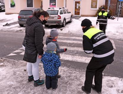 Chodci ve Valmezu jsou vidět