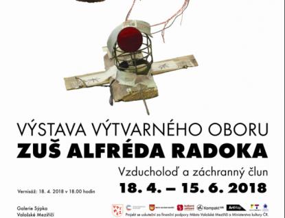 Vzducholoď a záchranný člun ZUŠ Alfréda Radoka Valašské Meziříčí v Galerii Sýpka