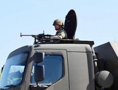 V České zbrojovce v Uherském Brodě nacvičovala česká armáda boj s teroristy