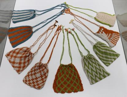 Kurz krosienky. Přijďte se naučit zapomenutou textilní techniku