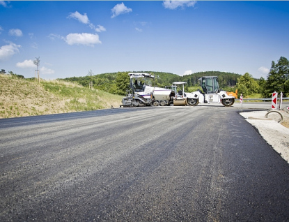Do krajských silnic se vloni investovalo téměř půl miliardy korun