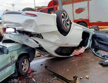 Mladík pod vlivem drog nezvládl řízení a při havárii poškodil osm vozidel
