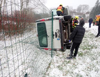 Série dopravních nehod zaměstnala v soboru dopoledne hasiče v celém kraji