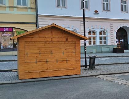 Valašské Meziříčí nabízí roušky a dezinfekci ke koupi občanům