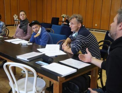 Zlínští herci nahráli rozhlasové drama o cestě za svobodou, chtějí tak podpořit Bělorusko