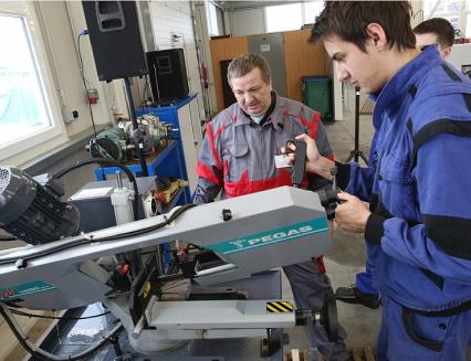Kraj zaplatí novou techniku pro odborný výcvik ve školách  v Rožnově a Uherském Brodě