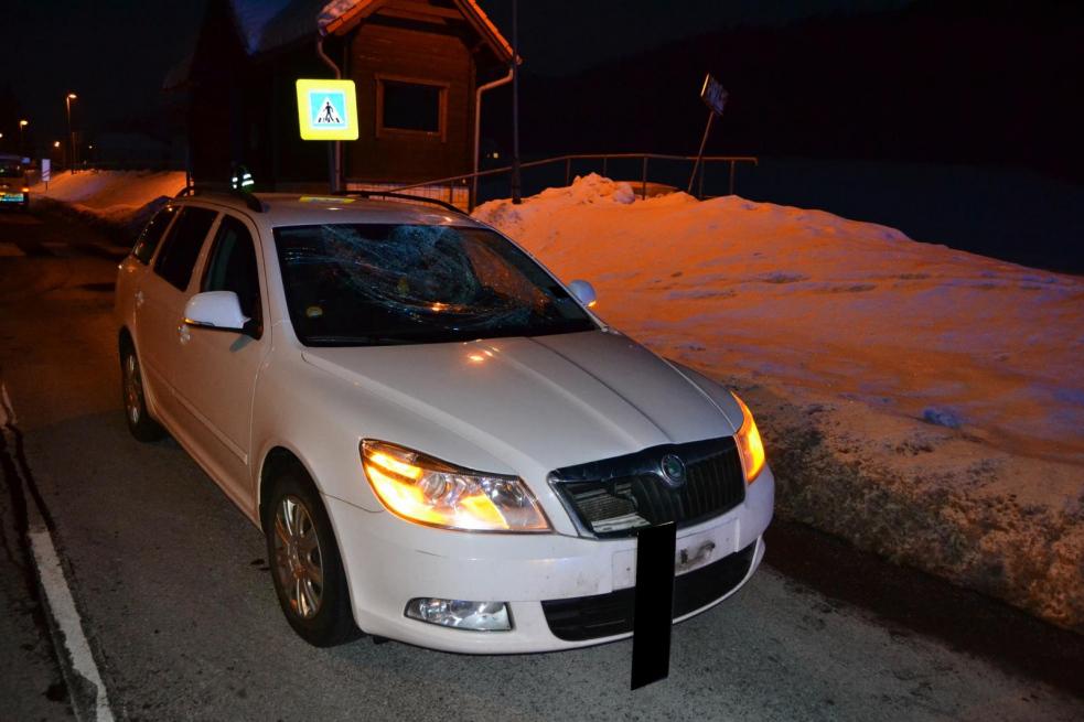 V Halenkově srazilo auto chodce na přechodu
