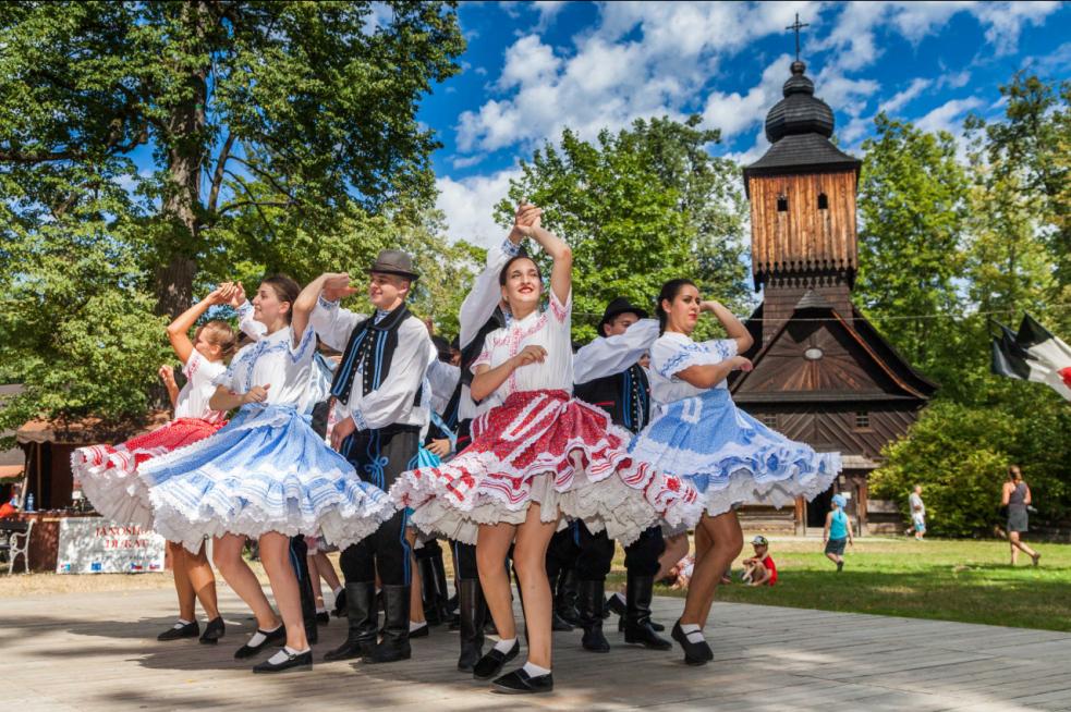 Slovenský folklor ve Valašském muzeu vpřírodě již po dvacáté!