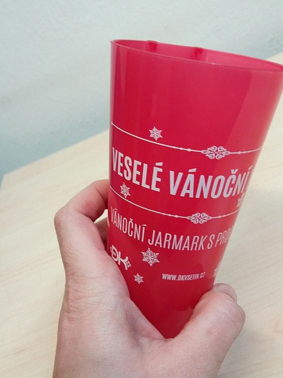 Veselé vánoční hody ve Vsetíně nově nabídnou vratné kelímky na horké nápoje