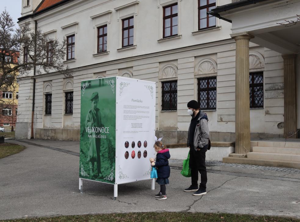 Výstava na zámku připomíná kouzlo Velikonoc