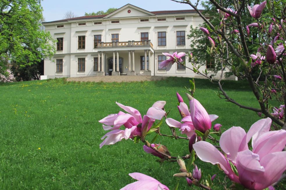 Využijte letní dětské prohlídky zámku v Lešné