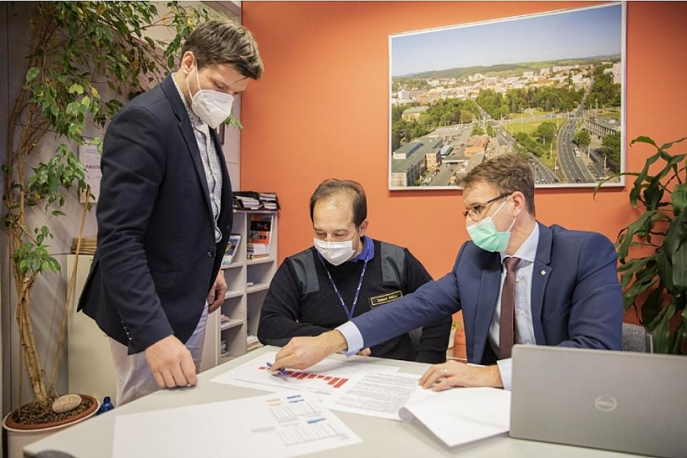 Krizový štáb Zlínského kraje jednal o průběhu očkování a vývoji epidemické situace