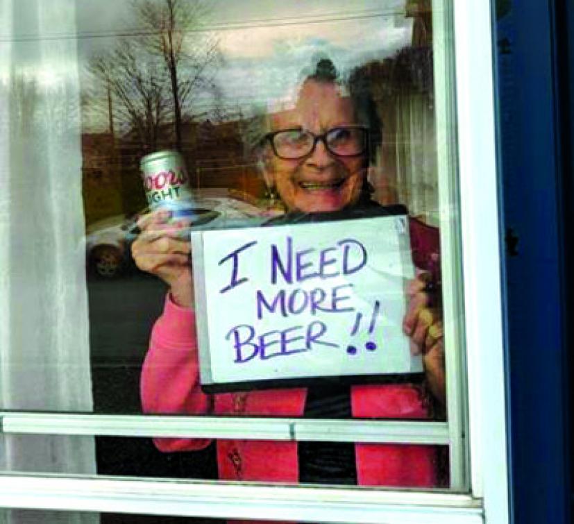 Potřebuju víc piva, prosila z karantény 93letá babička. Pivovar přispěchal na pomoc